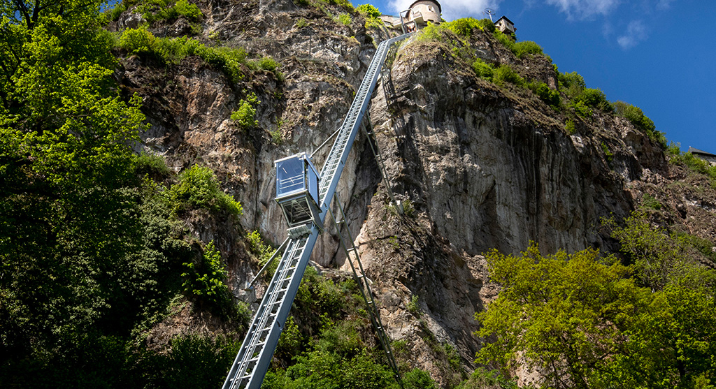 Lift-zur-Burg-Hochosterwitz, Foto: August Zoebl